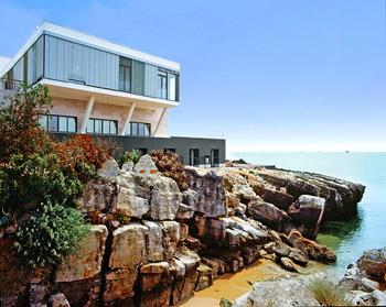 Portugal s sexy design hotel jaunt magazine for Design hotels portugal