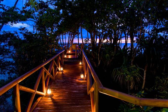 Honeymoons in fiji jaunt magazine for Most romantic honeymoon resorts