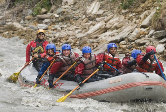 Rafting in Denali (c) Aramark Parks & Destinations