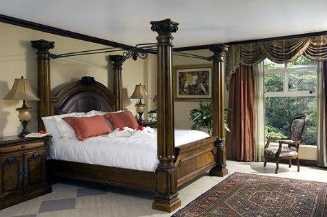 A Parador Room