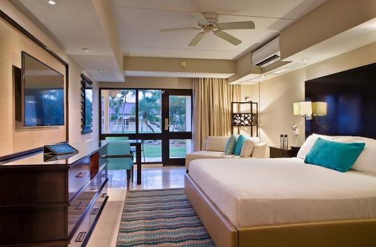 A chic standard room at Bucuti