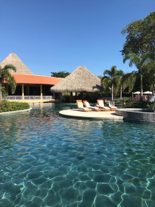 costa-rica-westin-pool