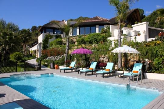 shanti-som-outdoor-pool-2