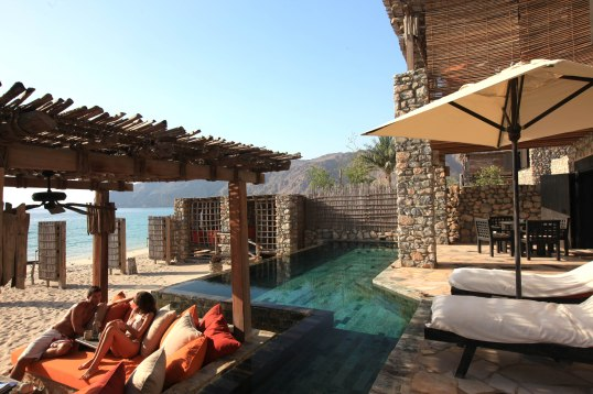 zighy-pool-villa-suite-beach-front